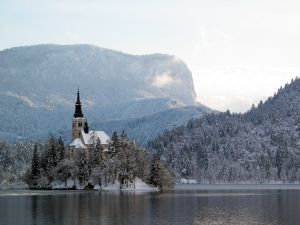 c24-Lake Bled Winter.JPG